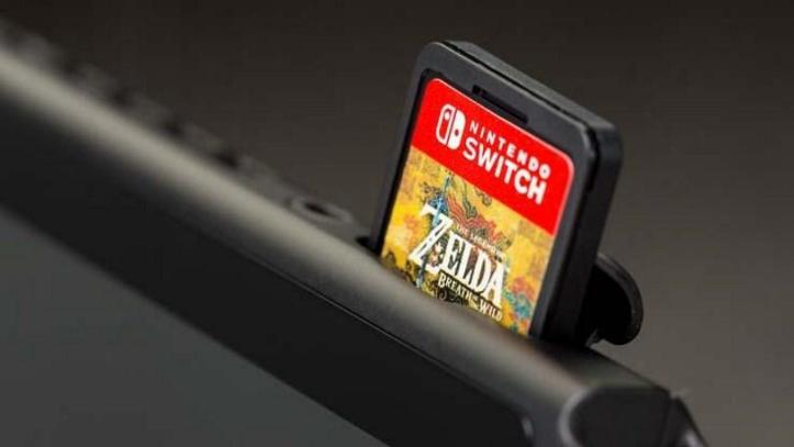 534613-nintendo-switch-zelda-cart-in-slot.jpg